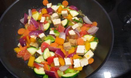 Gemüsepfanne mit frittiertem Tofu 3