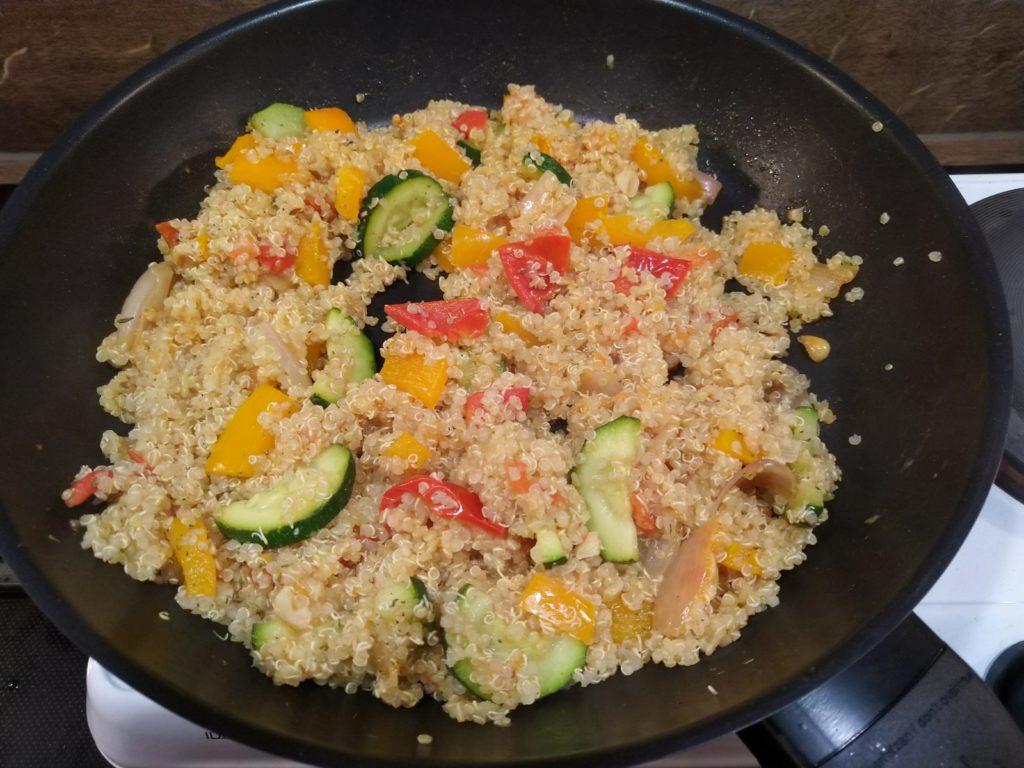 Vegane Gemüsepfanne mit Quinoa